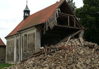 Kostel Lenešice zvenku po zřícení